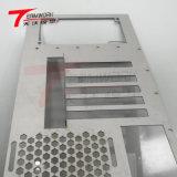 Servizi lavoranti precisi che timbrano il prototipo del metallo delle parti