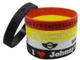 Bracelet de silicone rempli par encre promotionnelle de Debossed de logo de mode
