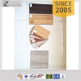 4-5mm UnilinクリックPVCフロアーリングクリックのビニールの床の広い板PVC床