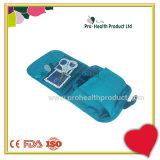 Cassetta di pronto soccorso di emergenza esterna con la grande casella della pillola di capienza