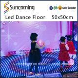 Le DJ allumant la disco brillante mince LED Dance Floor de couleur