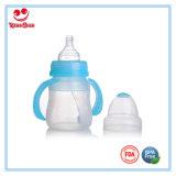 8ounce BPA liberano la bottiglia di alimentazione del bambino del silicone con la maniglia