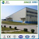 Estrutura de aço pré-fabricadas na oficina do depósito do Prédio de Produção de alimentos