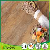 Le PVC de regard en bois durable couvre de tuiles le plancher de vinyle
