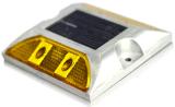 L'usine initial de deux côtés de quatre voyants LED solaire goujon de la route des feux de position de contrôle avec la lumière du soleil