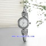 Изготовленный на заказ wristwatches моды кварца (WY-010B)