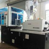 Ingenieros disponibles mantener la máquina de ultramar del moldeo por insuflación de aire comprimido del estiramiento de la inyección