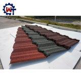 Pedras coloridas telha de madeira revestida