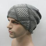 Le Double couche de Mens recouvre le chapeau de patinage de Beanies tricoté parhiver chaud de ski (HW401)