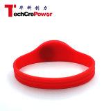 カスタマイズされた防水NFCのシリコーンRFIDの超軽いブレスレット- Red4