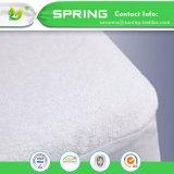 優れたテリー布の低刺激性の防水通気性のマットレスの保護装置