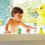 Munchkin Squirtinの浴室のおもちゃ、工場はプラスチックおもちゃを作った