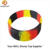 Wristband su ordinazione poco costoso all'ingrosso del silicone di sport di modo