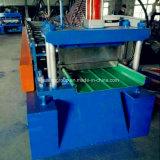 Constructeurs debout de machine de toiture en métal de couture