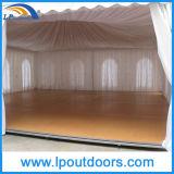 Роскошное Tent с Laminated Wood Flooring