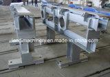 装置の鉄骨構造の部品を運ぶ鋼片