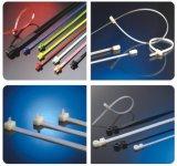Beständiger UVselbst, der Nylonkabelbinder sperrt