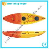 Ry安いプラスチック釣カヤックの海洋のカヌーのボート(M02)