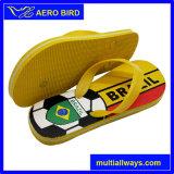 サッカーおよびブラジルの印刷を用いる人のPEのスリッパのサンダル