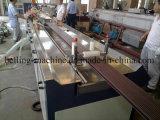 O plástico de madeira perfila a linha de produção/linha da extrusão