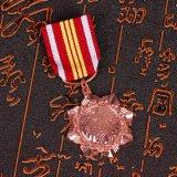 Andenken-Gebrauch und Metallmaterial gravierten sechs Stern-Abzeichen-Militär