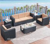 庭のテラスのセットされる柳細工のホテルのホーム藤のソファー-屋外の家具