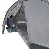 Hellgraues Ultralight im Freien übernachtendes kampierendes Zelt