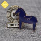 Una buena calidad Metal personalizado insignia de amapola flor púrpura
