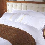 Wit Luxe Katoenen die Blad voor Hotel wordt geplaatst