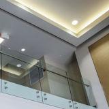 외부 디자인에 사용되는 Frameless 유리제 방책