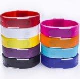 Progettare la vigilanza per il cliente del braccialetto del silicone di Digitahi di modo, l'orologio del LED, vigilanza della gelatina