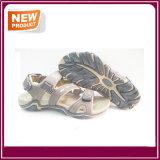 Pattini casuali dei sandali degli uomini da vendere