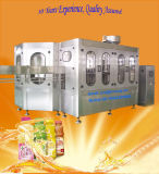 Автоматическая машина завалки фруктового сока в бутылке любимчика