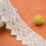 Forme de fleur blanche non étirée Dentelle autrichienne pour femmes Décorations en soeur ou en robe de dame