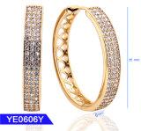 Nouveau design Mode bijoux 925 Sterling Silver ou en laiton or 18K Zirconia Cubique GRAND HOOP Earrings pour les femmes
