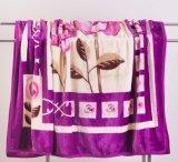 Couvertures acryliques couvrantes d'ouatine de Raschel - fleur