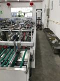 Arbeitseinsparung-Plastikkasten, der Maschine klebend sich faltet