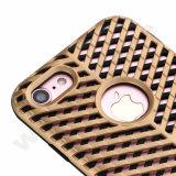 Deux dans des caisses de téléphones cellulaires d'un modèle pour l'iPhone 7 positif