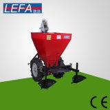 Excavatrice de pommes de terre agricole d'entraîneur de la machine 20-30HP de la Chine
