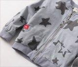 子供の衣服のための印刷された星が付いている方法ジャケット