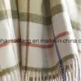 Сплетенное шерстяное чисто одеяло хода шотландки шерстей