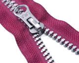 엄지 끌어당기는 사람과 분홍색 색깔 테이프를 가진 Vislon 지퍼 최상