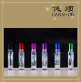 Rolo no frasco de perfume de vidro com o tampão de frasco de alumínio
