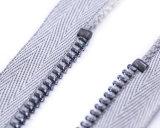 De Ritssluiting van het metaal met de Tanden van de Kleur Gunmetal en de Grijze Band van de Kleur/Hoogste Kwaliteit