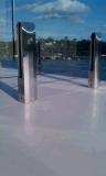 バルコニーまたは台地のための安全床の台紙のステンレス鋼のFramelessの強いガラス手すり