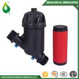 Im Garten arbeitenbewässerung-Plastikwasser-Filtration-System