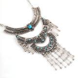 Il diamante della cavità del metallo dell'annata borda la collana
