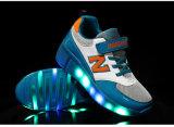 2016 LEIDENE van de Tennisschoenen van jonge geitjes Schoenen van de Lichte de Opvlammende Rol van Schoenen Volwassen met Lichten