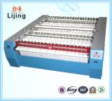 De Apparatuur van de wasserij  Elektrische het Verwarmen Enige het Strijken van de Rol Machine met Ce