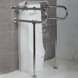 De opgepoetste Handicap van het Urinoir van de Badkamers 304ss staat de Sporen van de Greep van Staven bij